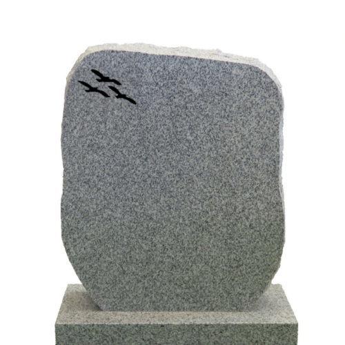Gravstein Montes i lys grå granitt fra Gravstein Grossisten