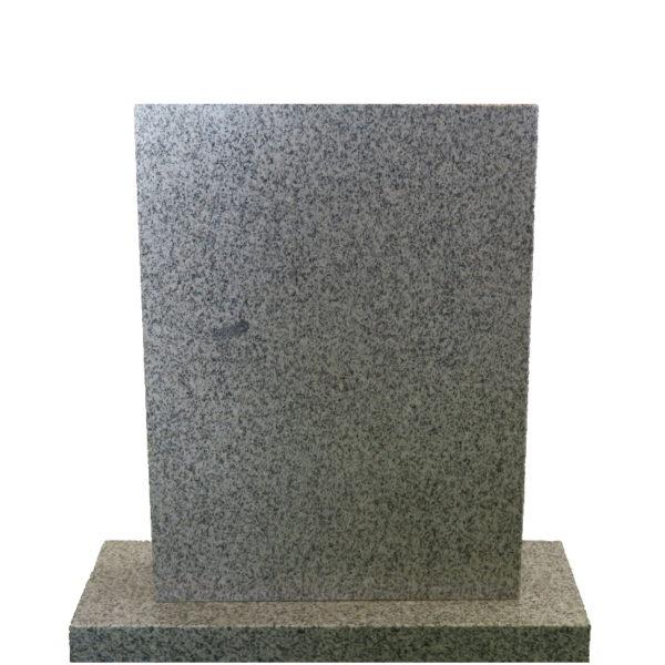 Gravstein Parva i lys grå granitt front