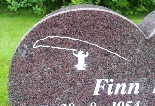 Egetdesign på tilbehør til gravstein
