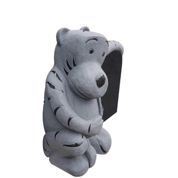 Gravstein Tiger i sort granitt skrå