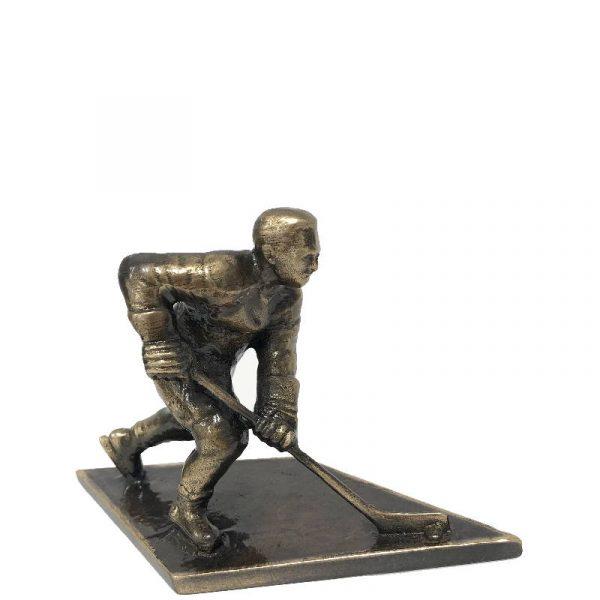 Hockey spiller i bronse fra Gravstein Grossisten
